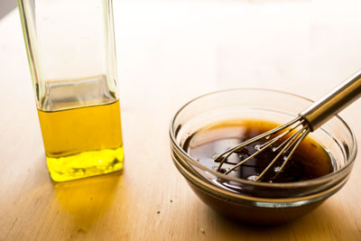 balsamic-dressing-and-olive-oil